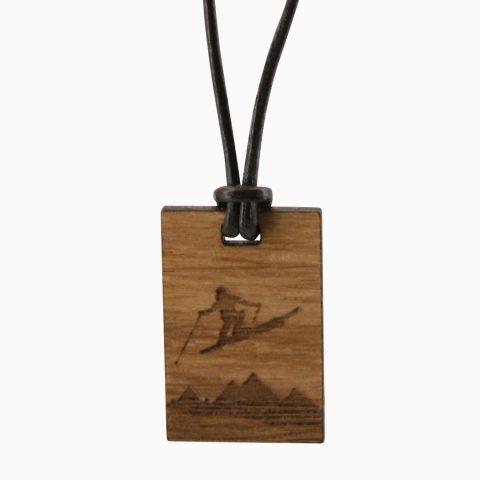 Holzkette Skifahrer Freigestellt Webseite 2020