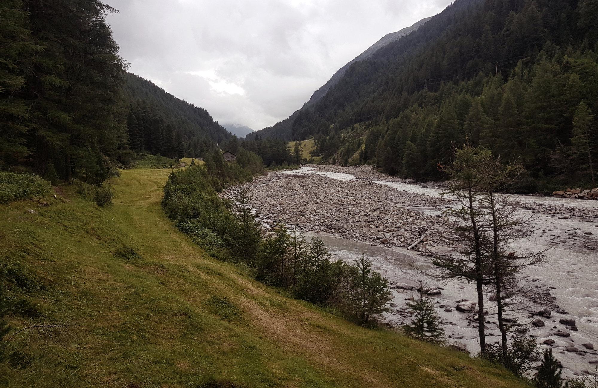Gurgler Ache, Wandern Ötztaler Urweg, Wandern im Ötztal, Trekking im Ötztal, Ötztaler Alpen, Tirol, Genusswanderung, Regenwanderung