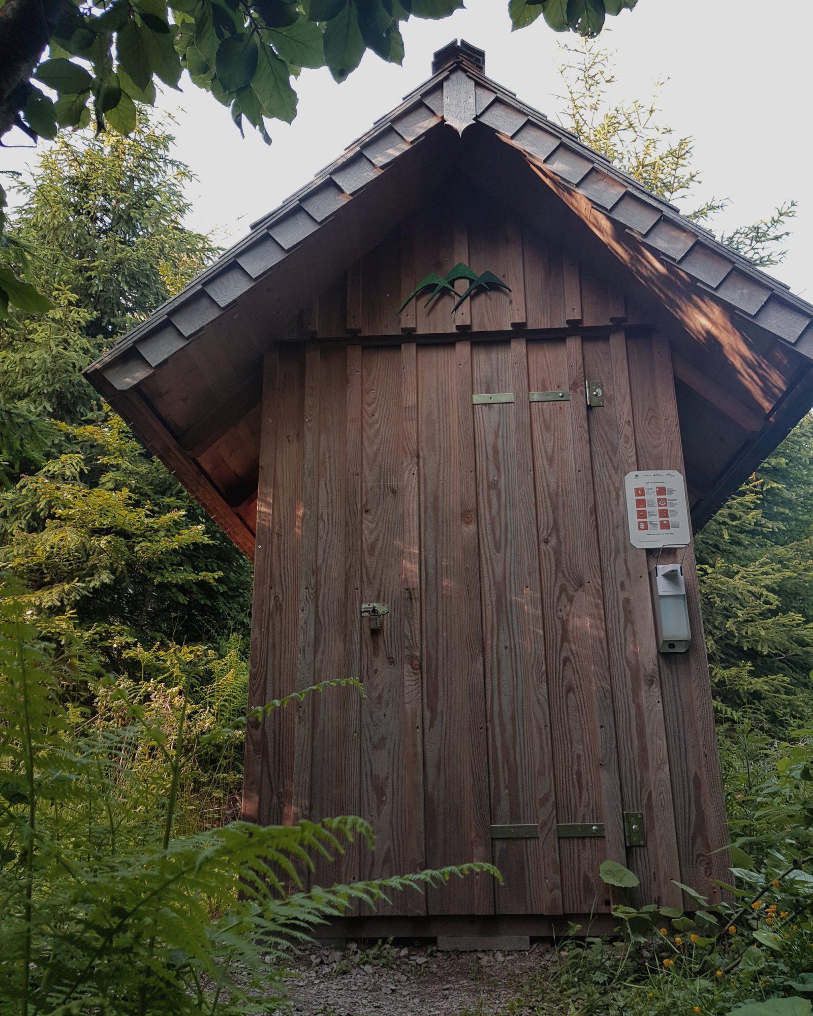 Toilettenhäuschen des Trekking-Camps Seibelseckle